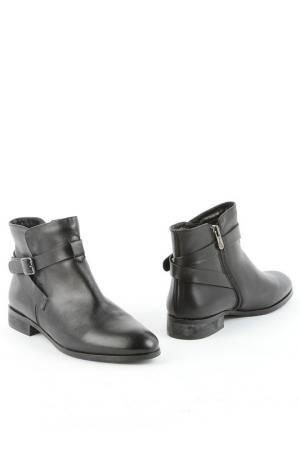 Ботинки Liska. Цвет: чёрный