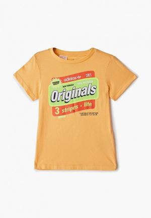 Футболка adidas Originals. Цвет: оранжевый