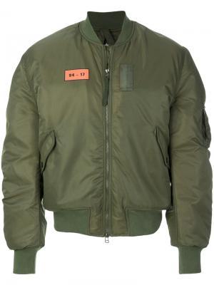 Куртка-бомбер  на молнии Maharishi. Цвет: зелёный