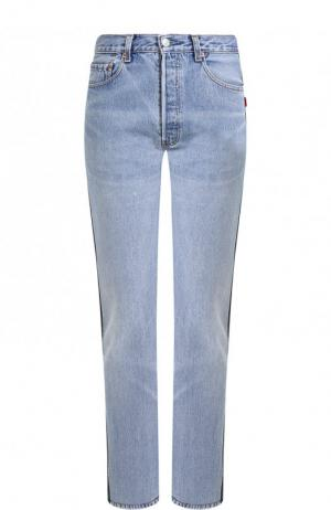 Укороченные джинсы прямого кроя  кожаной вставкой Vetements. Цвет: синий