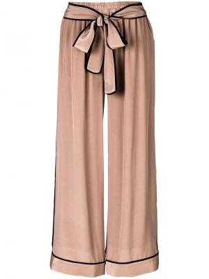 Широкие брюки с завязкой Gold Hawk. Цвет: розовый и фиолетовый
