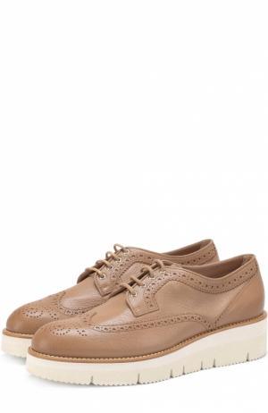 Кожаные ботинки с брогированием Santoni. Цвет: бежевый