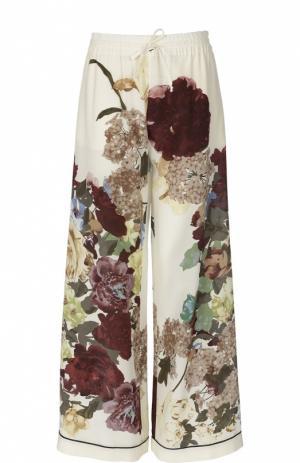 Шелковые брюки в пижамном стиле с цветочным принтом Valentino. Цвет: кремовый