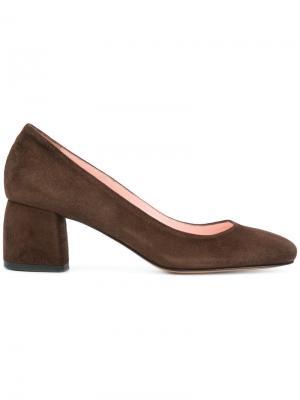 Туфли-лодочки на блочном каблуке Anna F.. Цвет: коричневый