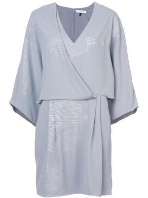 Платье с мелким узором Halston Heritage. Цвет: серый